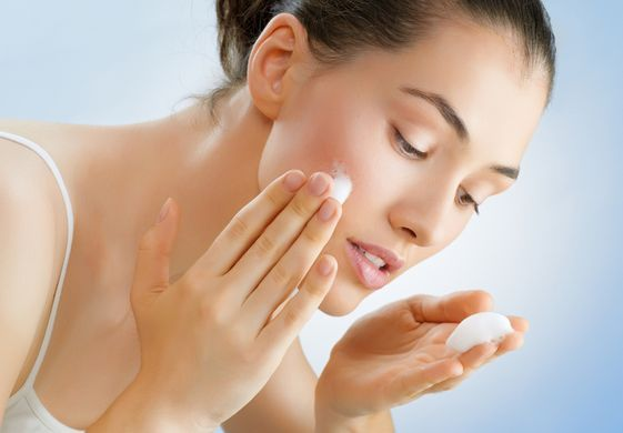 Особливості та секрети догляду за чутливою шкірою обличчя
