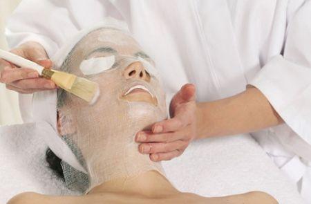 Парафінова маска для обличчя