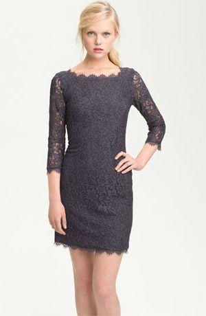 сіру сукню
