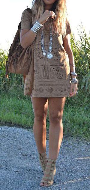 бежеве мереживне плаття
