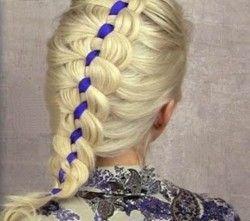 Плетіння кіс зі стрічками - оригінальна і модна зачіска