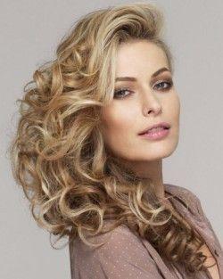 Зачіски на бік - легко і красиво!
