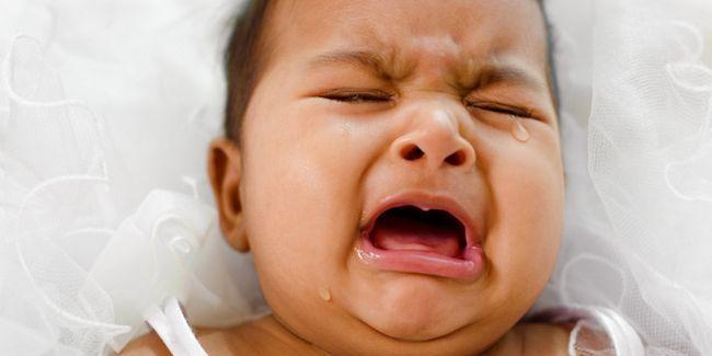 дитина не спить