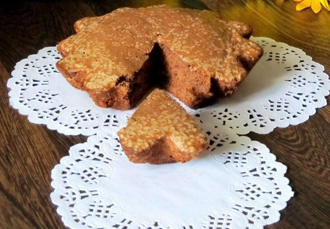 Рецепт простого шоколадного бісквіта для торта і інших десертів