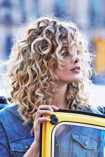 романтична зачіска на середні волосся повсякденна