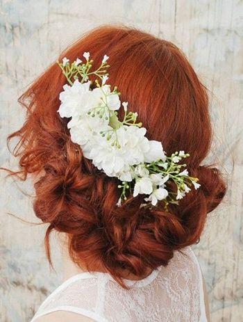 зачіска для романтичного образается