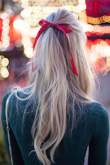 зачіска з стрічкою у волоссі