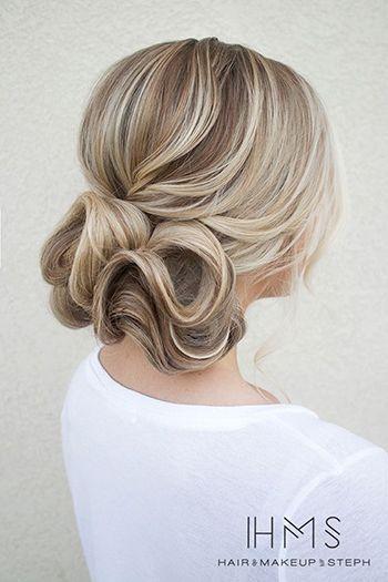 романтична зачіска на середні волосся