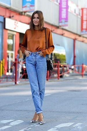 джинси бойфренди з блузкою