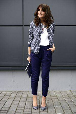 сині штани з жакетом