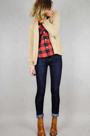 жіночий комплект одягу з джинсами