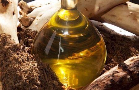 Сандалове масло для особи