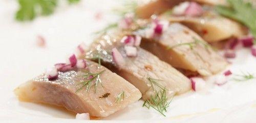Солимо оселедець в розсолі будинку, рекомендації по вибору риби