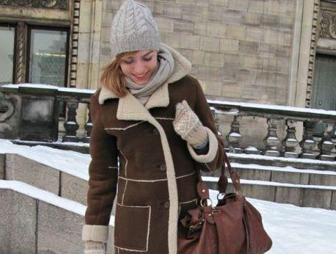 Стильний зимовий образ - з чим носити дублянку середньої довжини