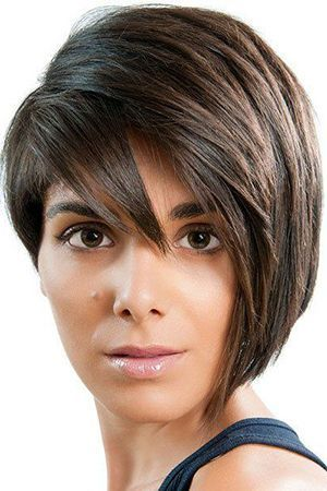 зачіска з чубком градуированная