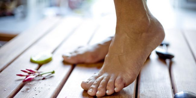 Суха шкіра на ногах: 5 причин і 6 методів позбавлення.