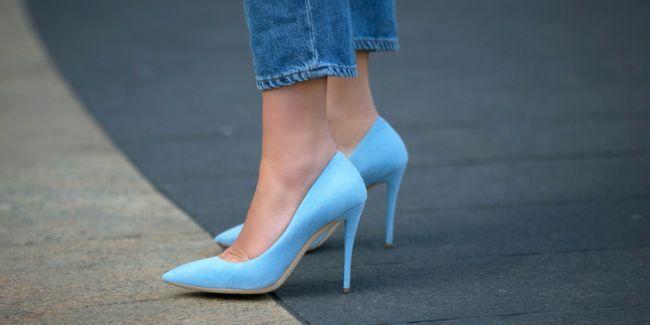 Туфлі човники на підборах: фото модних образів