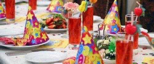 Прикрашаємо дитячий стіл на день народження дітей і дорослих