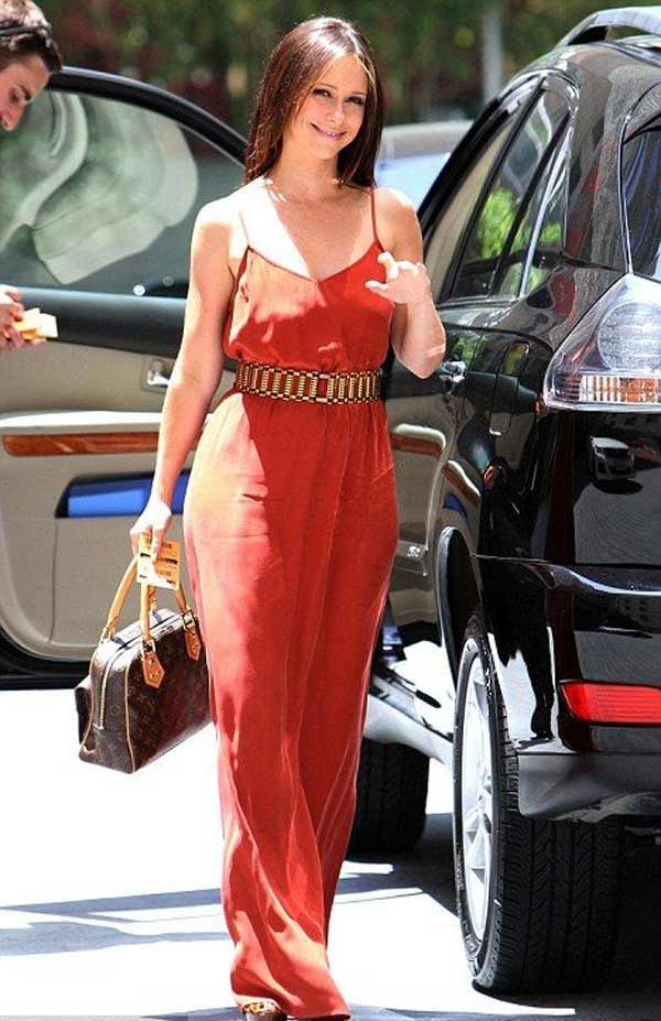 Миле плаття Jennifer Love Hewitt