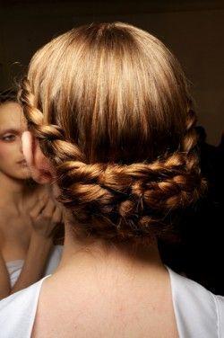 Універсальна зачіска - кошик з волосся