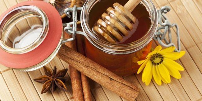 У чому користь кориці з медом
