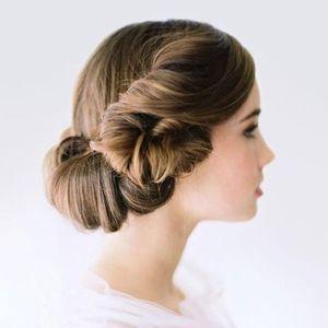 зачіска з завитками