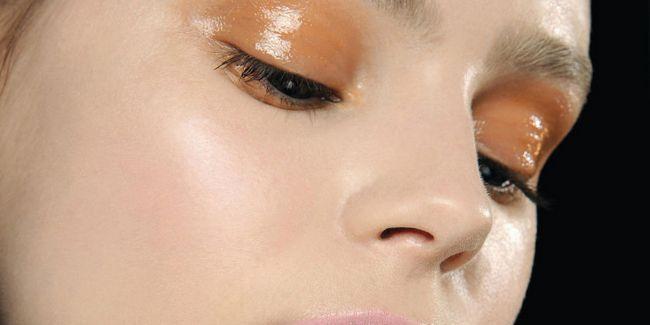Вологий макіяж очей
