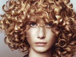 Завивка волосся вдома - міф чи реальність?