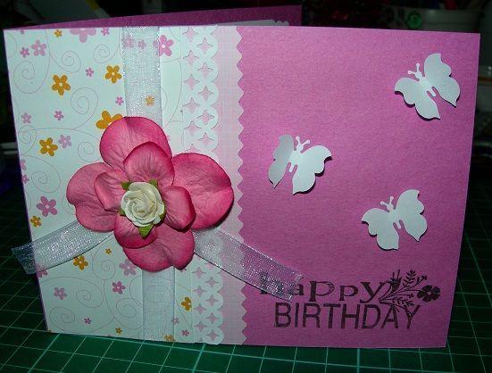Жіноче захоплення для будь-якого віку: як зробити просту листівку з паперу